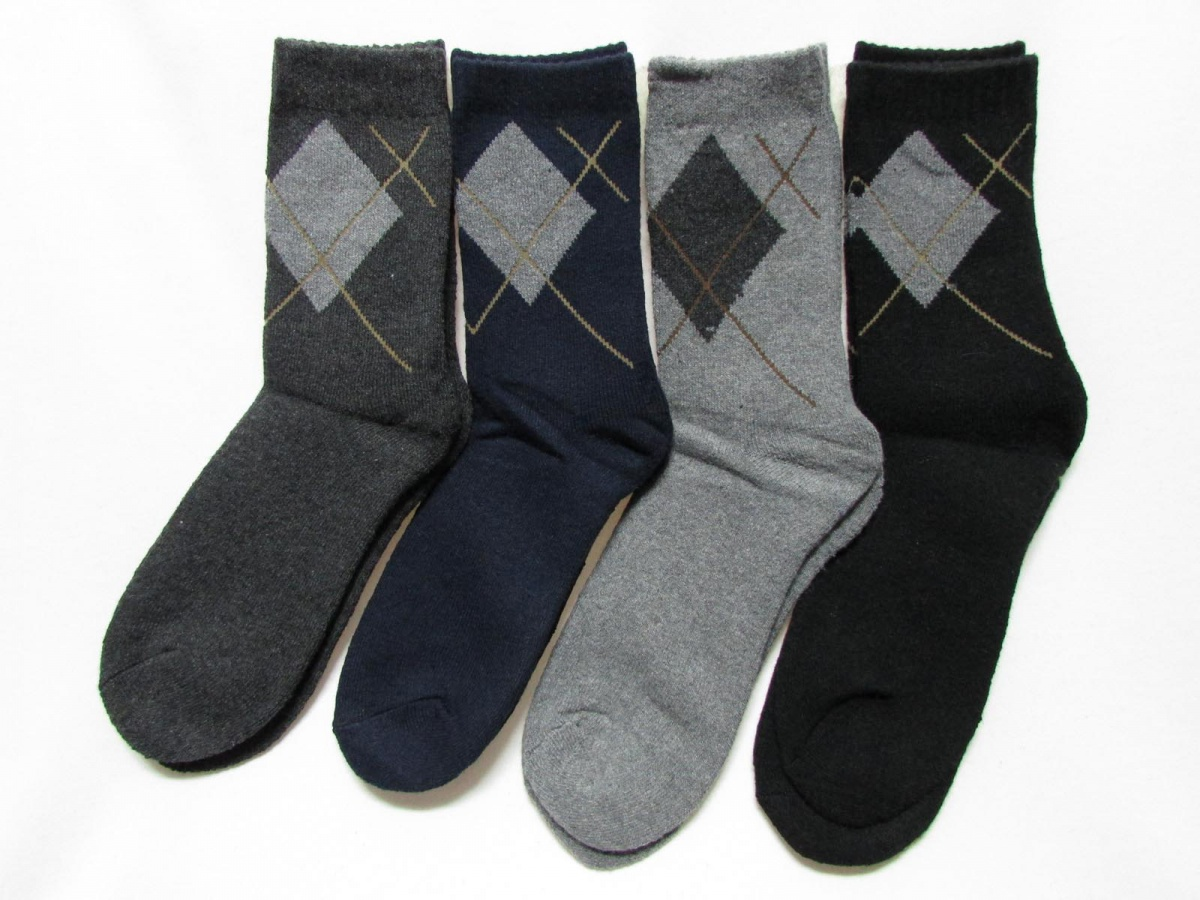 Нюхать мужские носки фото 718-298